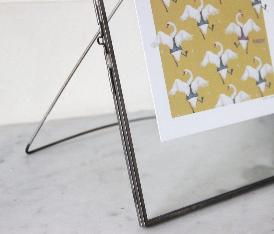 mathûvû cadre gris broste copenhagen décoration home maison photo verre laiton lyon