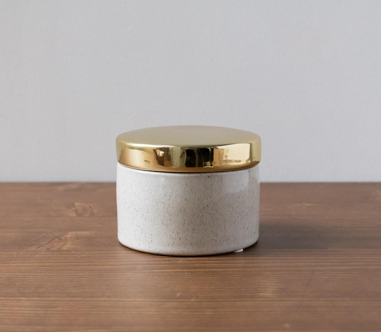 Pot céramique couvercle doré Bloomingville - Maison Mathuvu