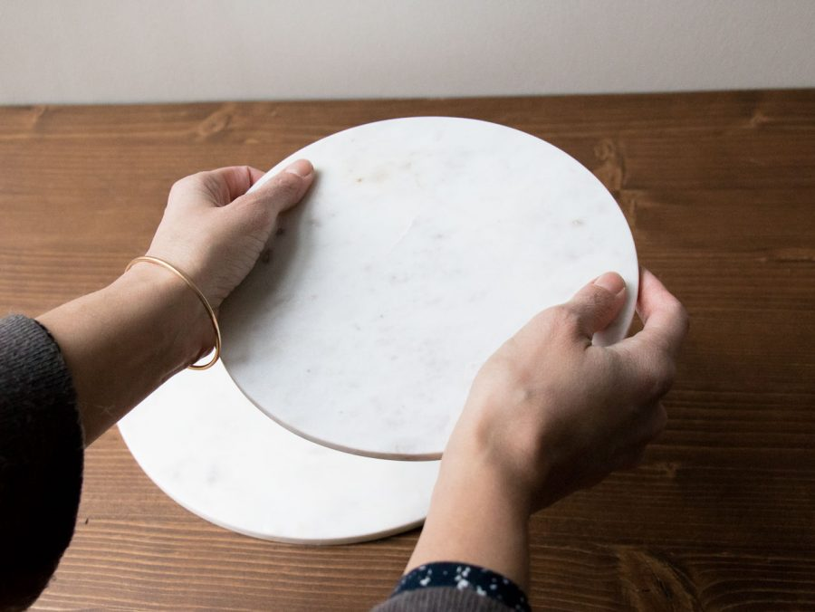Dessous de plat rond en marbre blanc house doctor - Maison Mathuvu