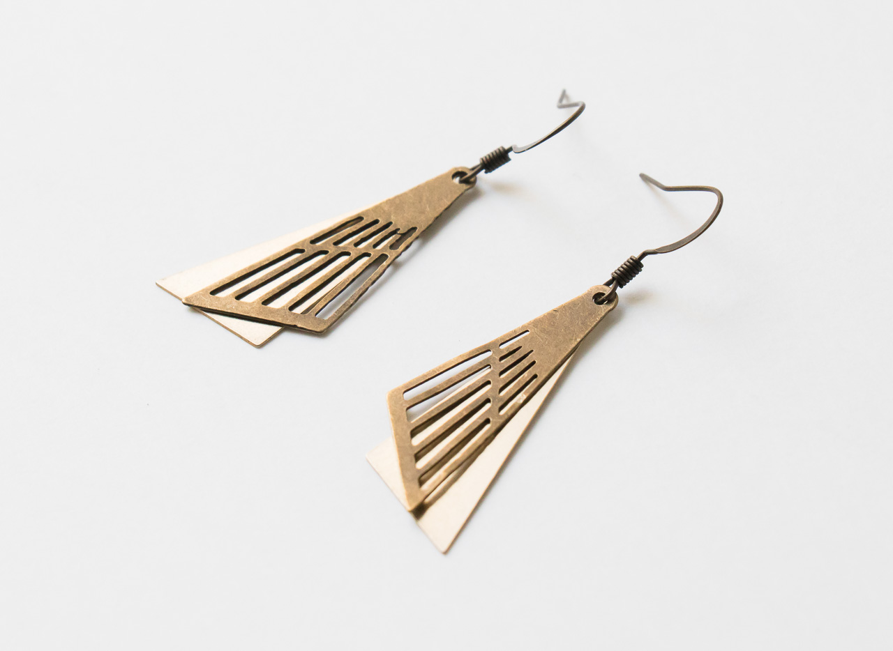 Boucles d'oreilles double triangle Maison Mathuvu