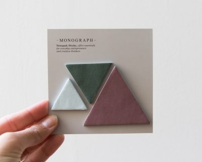 Post-it triangle Monograph - Maison Mathuvu