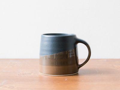 Tasse tri-colore noir et brun Kinto - Maison Mathuvu