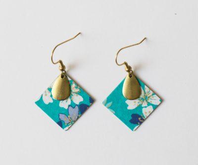 Boucles d'oreilles carré japonais turquoise de lilifabrique chez Maison Mathûvû