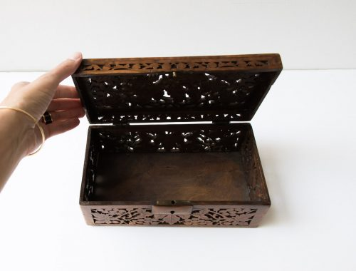 Boîte en bois ajourée Pièce chinée - maison mathuvu