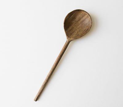 Grande cuillère en bois de manguier Madam stoltz - maison mathuvu