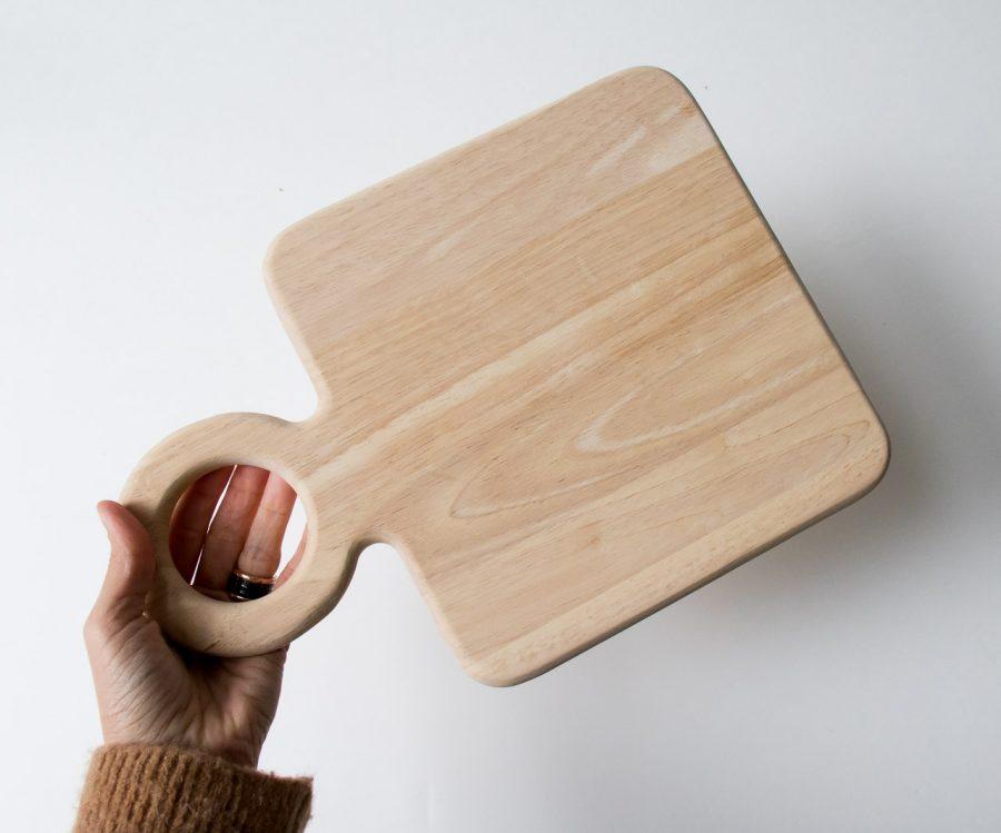 Planche carrée en bois d'hévéa Bloomingville - maison mathuvu