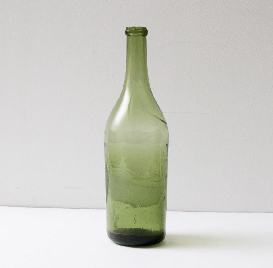 Bouteille en verre verte chinée - maison mathuvu