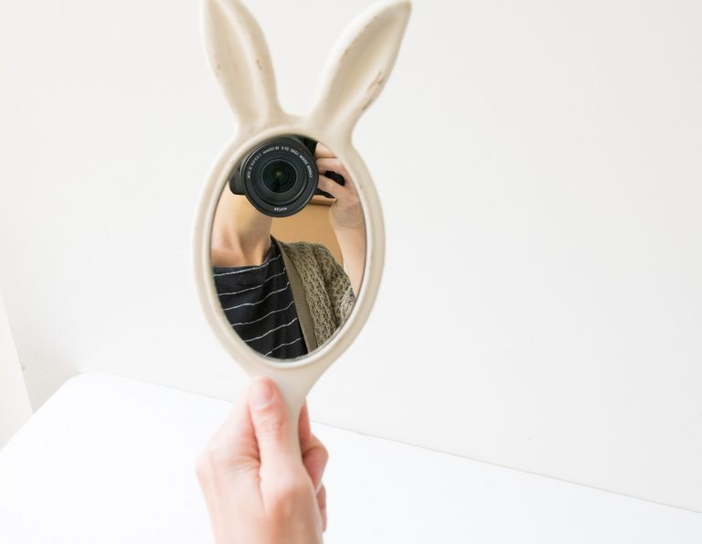 Miroir - Lapin blanc chehoma - maison mathuvu