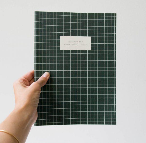 Cahier à carreaux vert Kartotek - maison mathuvu