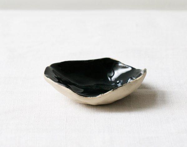Coupelle noire - Brut maison mathuvu