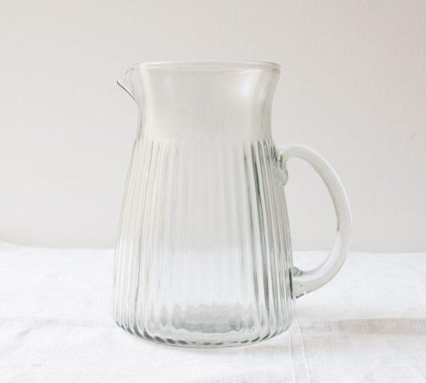 Carafe en verre strié Madam stoltz - maison mathuvu