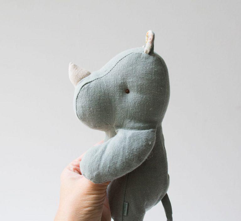 Peluche - Rhino bleu Maileg - maison mathuvu