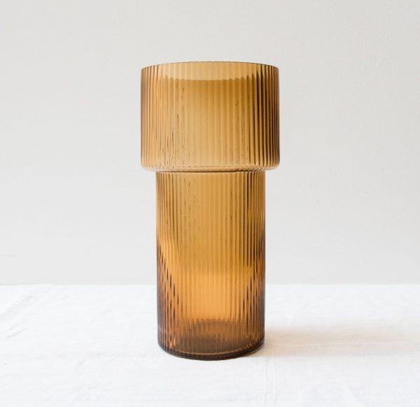 Vase strié - Ambre Hübsch - maison mathuvu