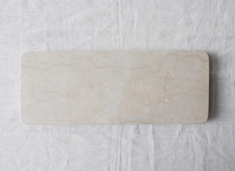 Plateau en marbre Bloomingville - maison mathuvu
