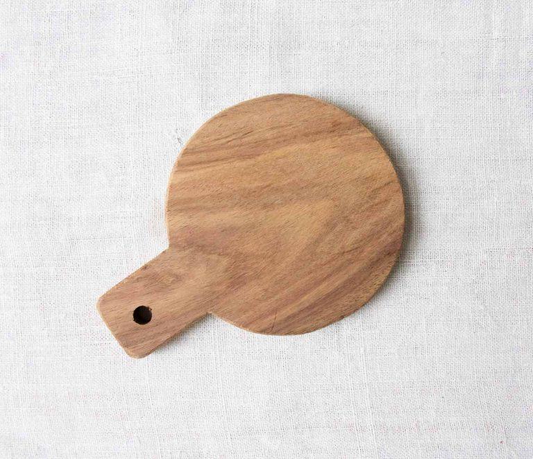 Mini planche en bois Nicolas vahé - maison mathuvu