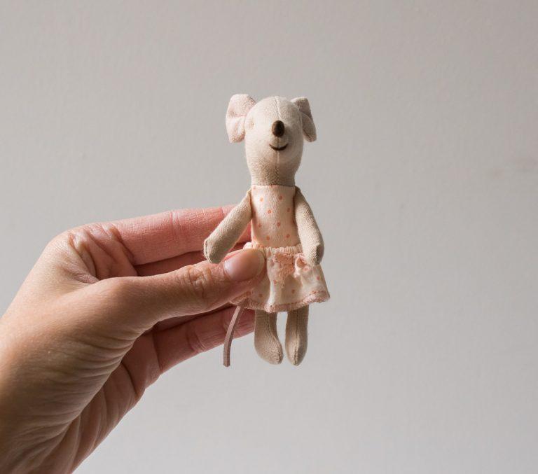 Box souris - Little sister Rose clair Maileg Maison Mathûvû