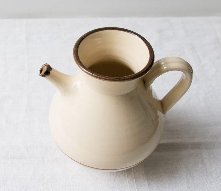 Pichet beige Pièce chinée - maison mathuvu