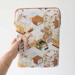 Pochette d'ordinateur - City terracotta All the ways to say - maison mathuvu
