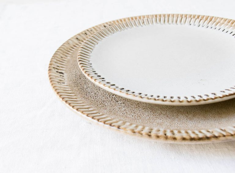 Assiette en grès - Théa Bloomingville - maison mathuvu