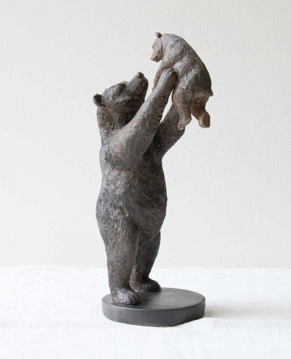 Ours portant son bébé Chehoma - maison mathuvu