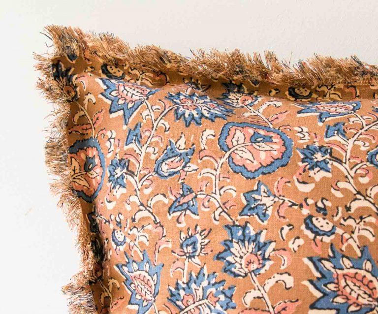 Coussin à fleurs - Cinnamon madam stoltz - maison mathuvu